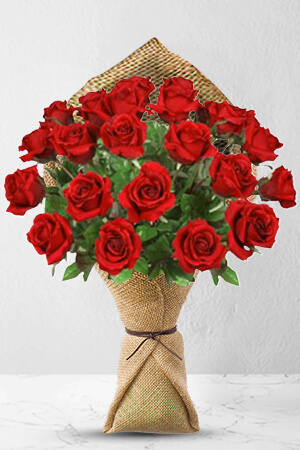 Franco from Italy sent 24 Long Stem Premium Rose Bouquet to Ranida in Thailand