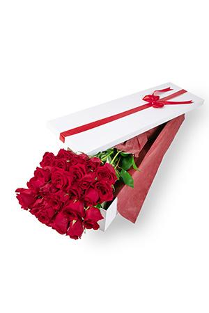 Gordon from Japan sent 24 Long Stem Roses Presentation Box to Mako in Japan
